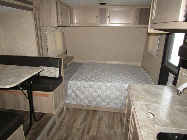 Sold 2020 Coachmen Catalina Summit 172bhs